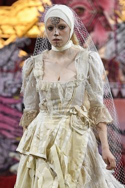 Dilara Findikoglu London Fashion Week Spring Summer 2018 London September 2017